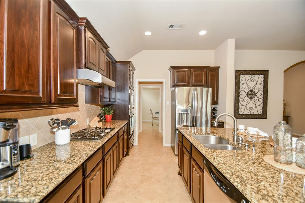 Active | 13612 Evening Wind Drive Pearland, Texas 77584 9
