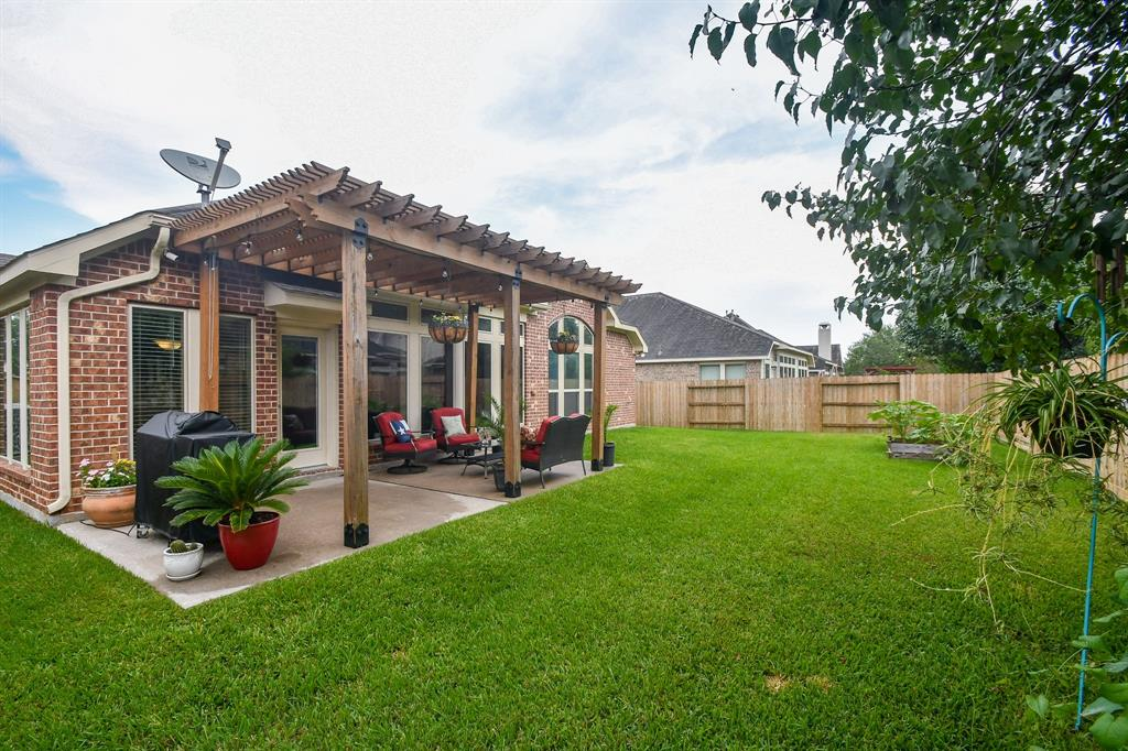 Active | 13612 Evening Wind Drive Pearland, Texas 77584 24