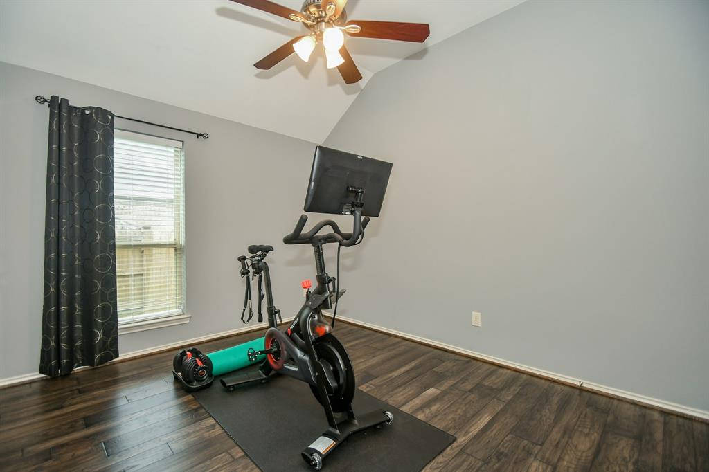 Active | 13612 Evening Wind Drive Pearland, Texas 77584 4