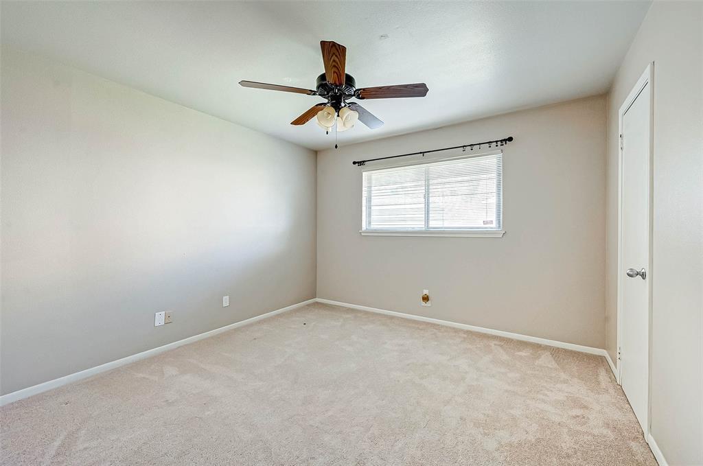 Pending | 5143 Kingfisher Drive Houston, Texas 77035 41