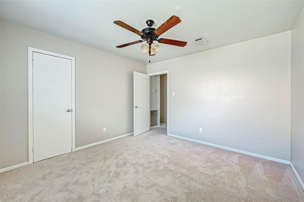 Pending | 5143 Kingfisher Drive Houston, Texas 77035 42