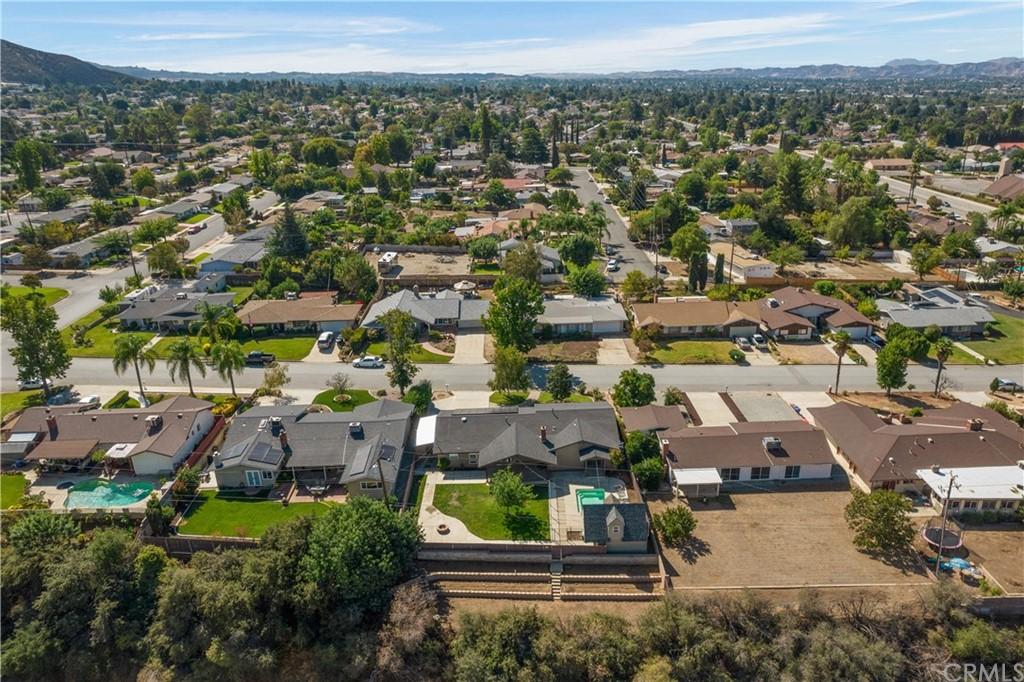 ActiveUnderContract | 35380 Panorama Drive Yucaipa, CA 92399 48