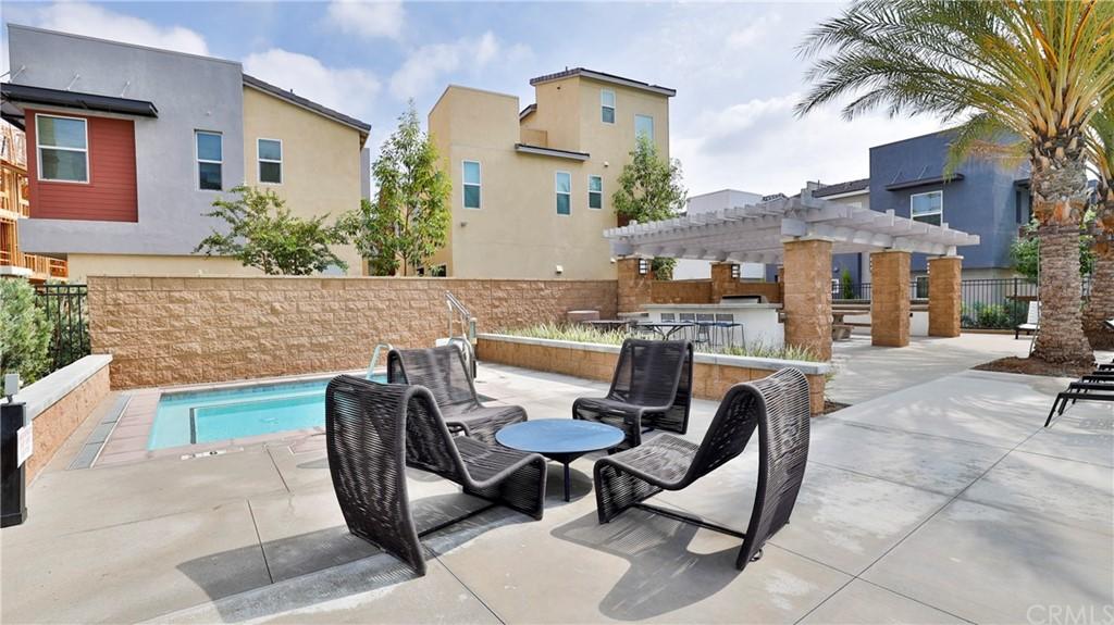 Pending | 7707 Paxton Place Rancho Cucamonga, CA 91730 32