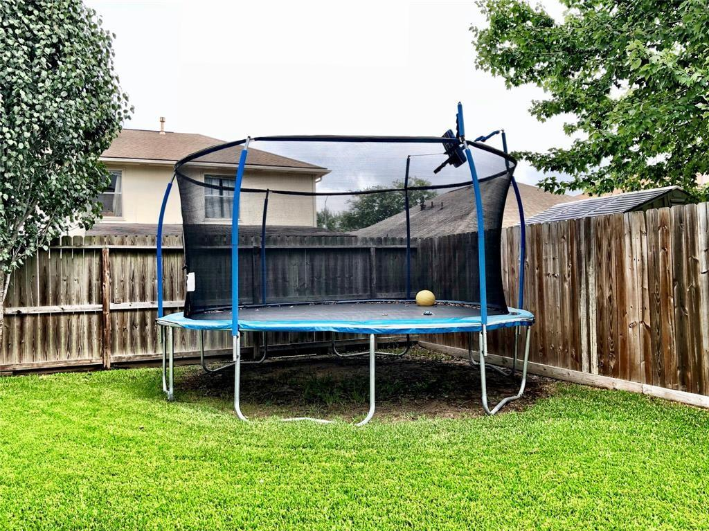 Pending   2707 Fox View Circle Spring, Texas 77386 24