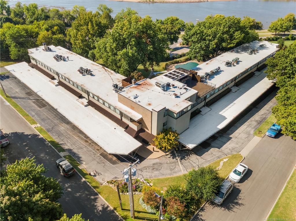 Active | 611 W 15th Street #E1 Tulsa, Oklahoma 74127 31