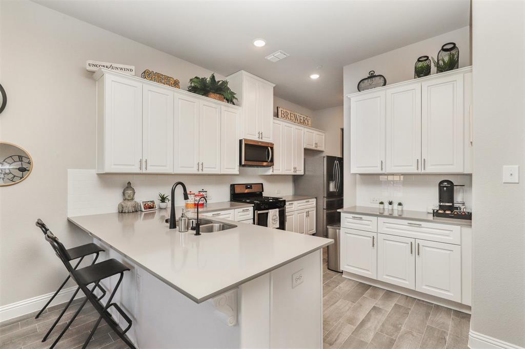 Active Option Contract   6246 Rilla Street Frisco, Texas 75035 6