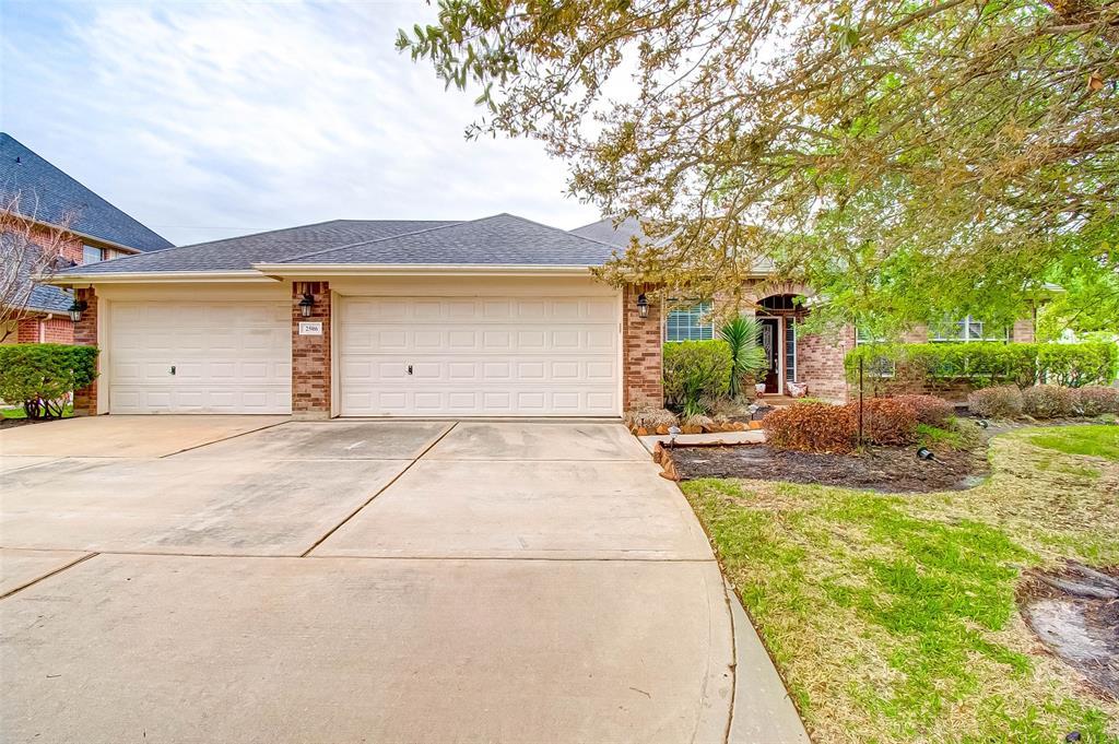 Active | 2506 Monarch Terrace Drive Katy, Texas 77494 4