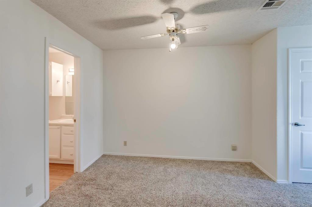 Active | 13513 E 30th Place #C Tulsa, Oklahoma 74134 12