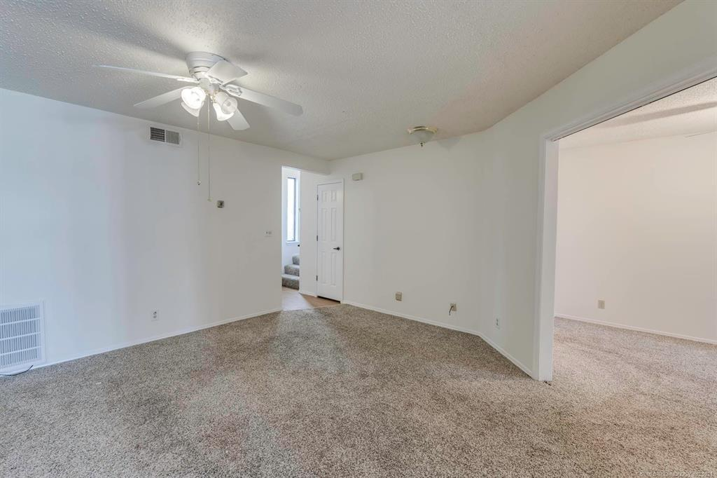 Active | 13513 E 30th Place #C Tulsa, Oklahoma 74134 25