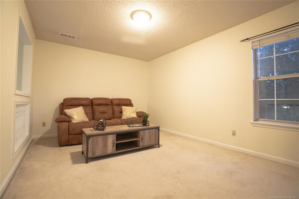 Active   13104 E 77th Street North Owasso, Oklahoma 74055 33