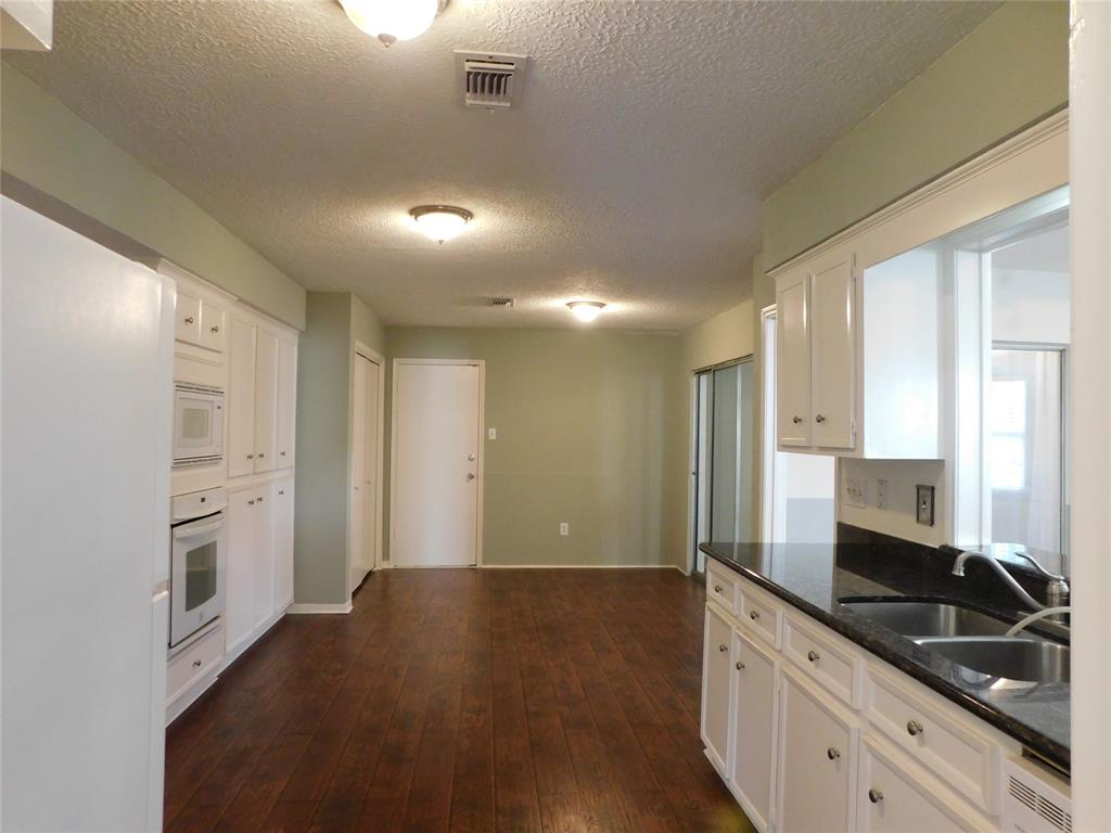 Active   12122 Briar Forest Drive Houston, Texas 77077 9