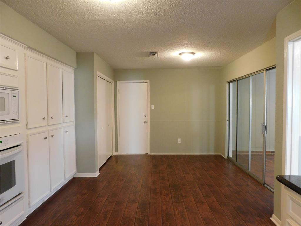 Active   12122 Briar Forest Drive Houston, Texas 77077 11