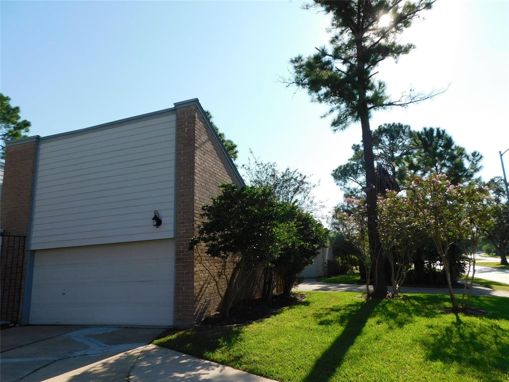 Active   12122 Briar Forest Drive Houston, Texas 77077 42