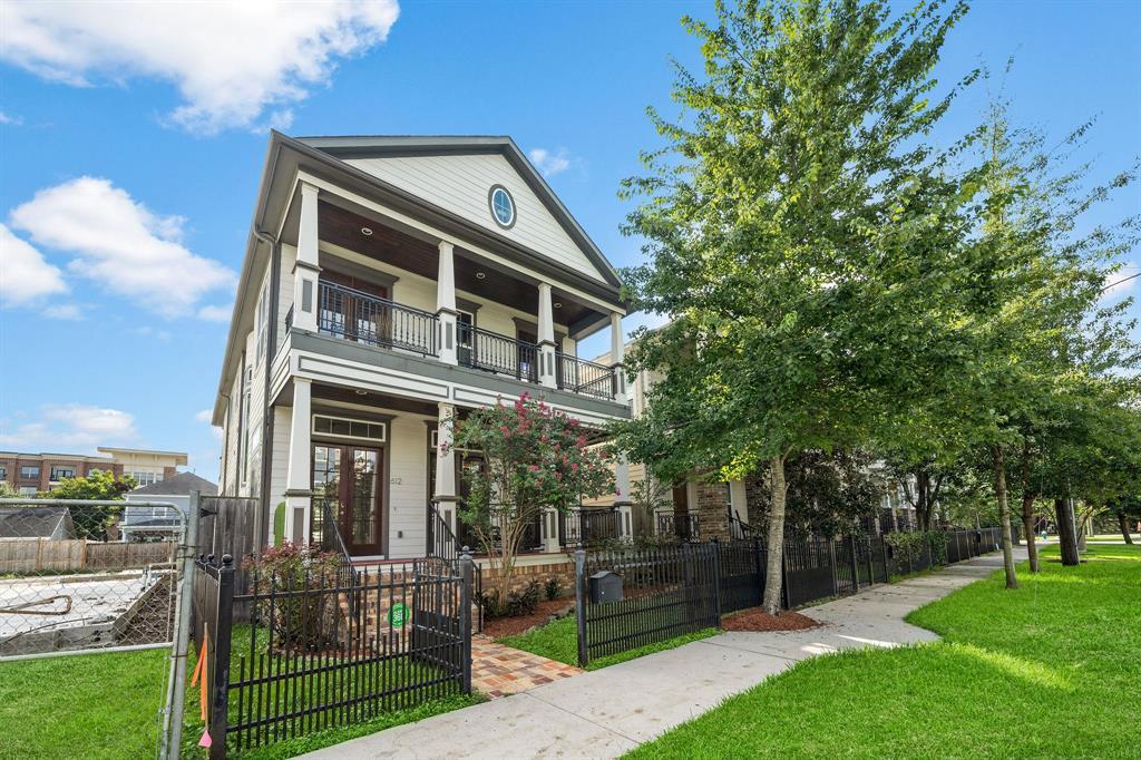 Active   612 Rutland Street Houston, Texas 77007 1