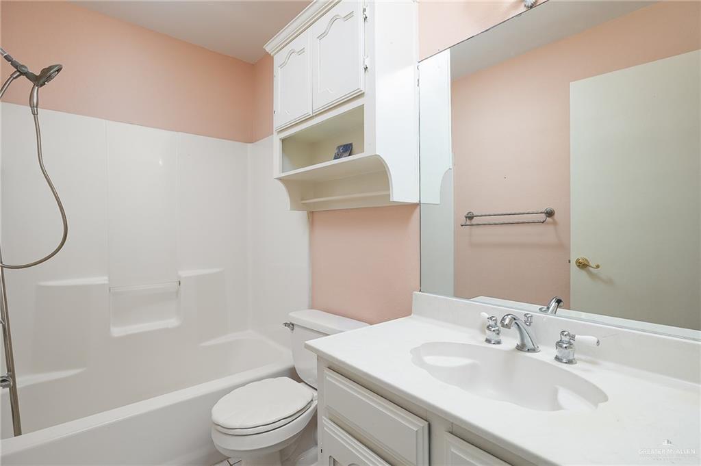 Option | 2609 Highland Court McAllen, TX 78501 10