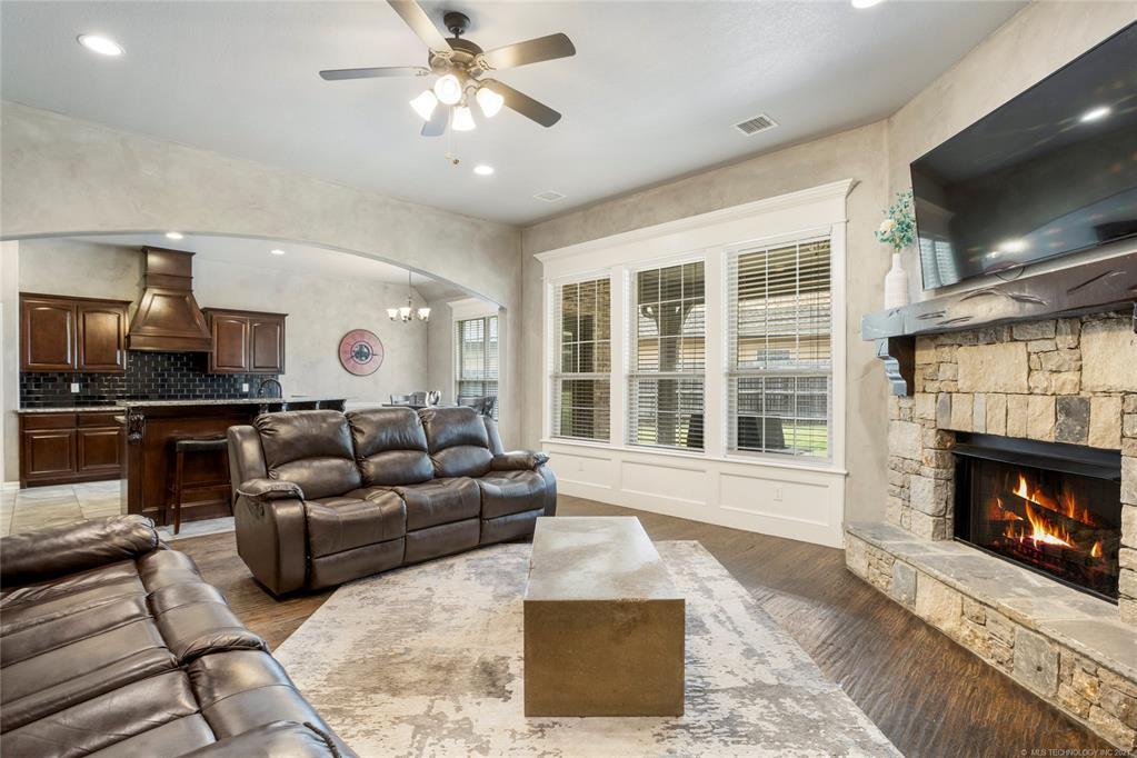 Active   7271 E 112th Place S Bixby, Oklahoma 74008 10