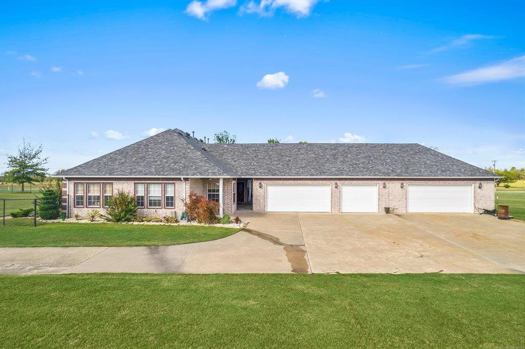 Off Market   8219 E 112th Street North Owasso, Oklahoma 74055 36