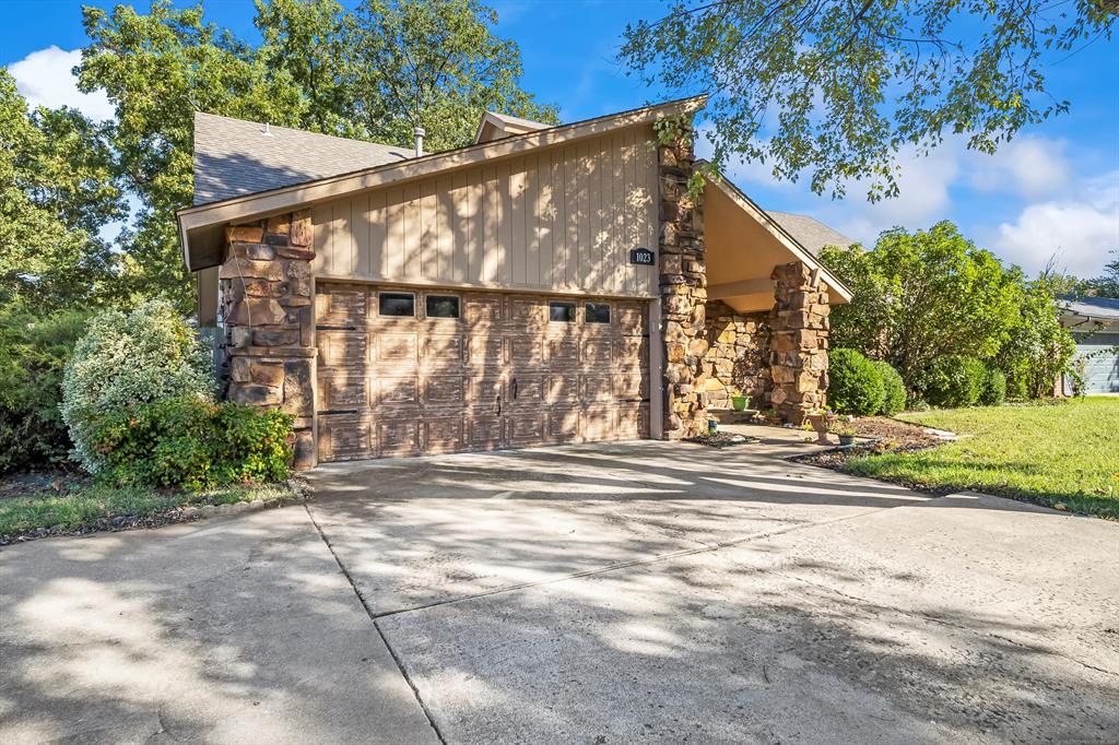 Off Market   1023 N Forest Place Jenks, Oklahoma 74037 2