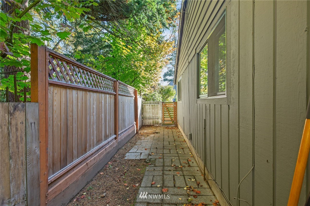 Pending Inspection | 18531 Densmore Avenue N Shoreline, WA 98133 16