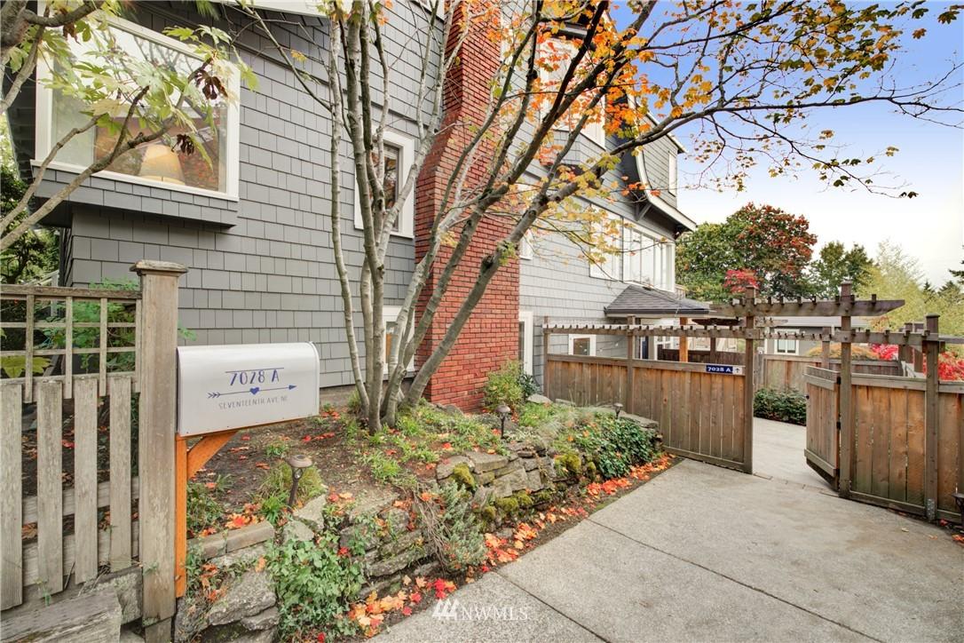 Active | 7028 17th Avenue NE Seattle, WA 98115 25