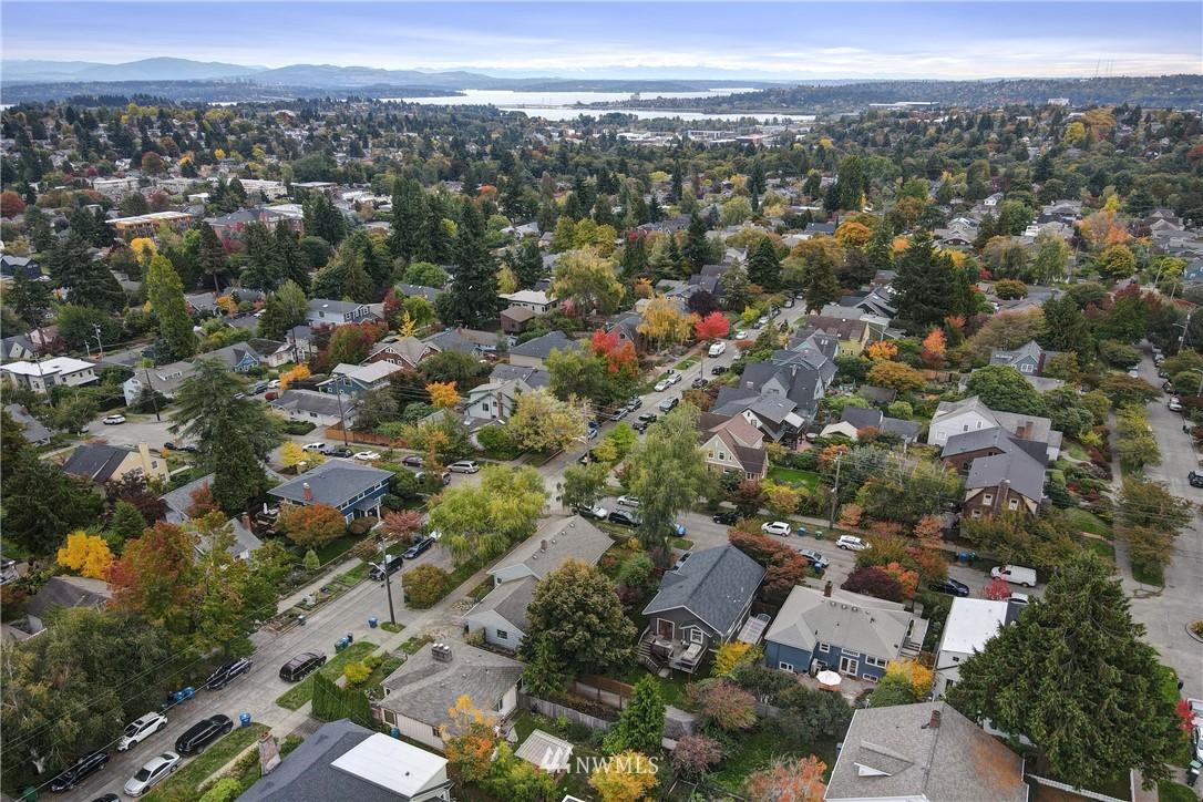 Active | 7028 17th Avenue NE Seattle, WA 98115 38