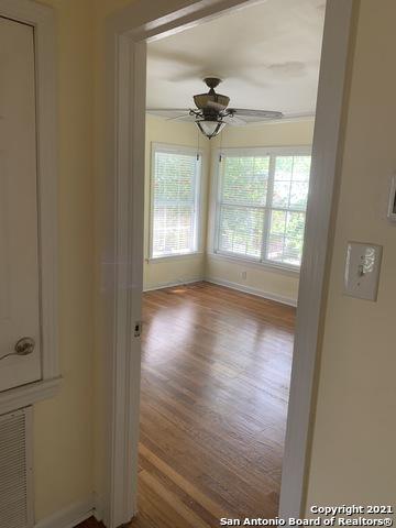 Perfect 3 bed 1 bath house for Rent Terrell Hills, SA TX 78209 | 212 LYMAN DR Terrell Hills, TX 78209 14