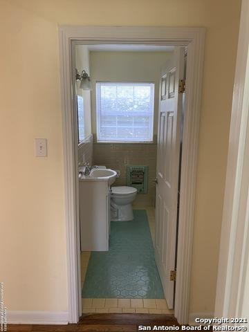 Perfect 3 bed 1 bath house for Rent Terrell Hills, SA TX 78209 | 212 LYMAN DR Terrell Hills, TX 78209 21