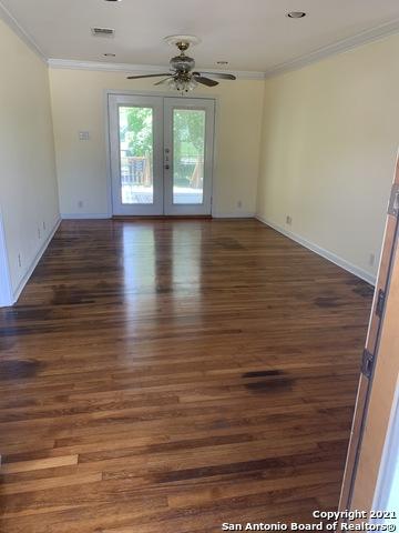 Perfect 3 bed 1 bath house for Rent Terrell Hills, SA TX 78209 | 212 LYMAN DR Terrell Hills, TX 78209 6