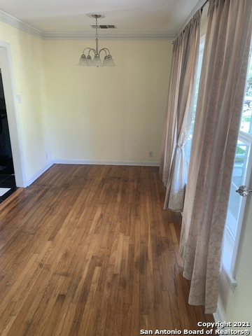 Perfect 3 bed 1 bath house for Rent Terrell Hills, SA TX 78209 | 212 LYMAN DR Terrell Hills, TX 78209 7