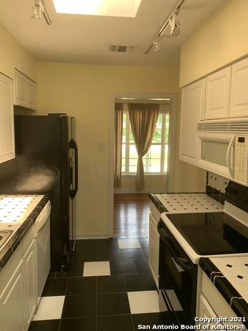 Perfect 3 bed 1 bath house for Rent Terrell Hills, SA TX 78209 | 212 LYMAN DR Terrell Hills, TX 78209 10