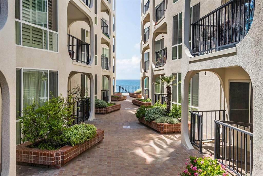 ActiveUnderContract | 565 Esplanade #308 Redondo Beach, CA 90277 32