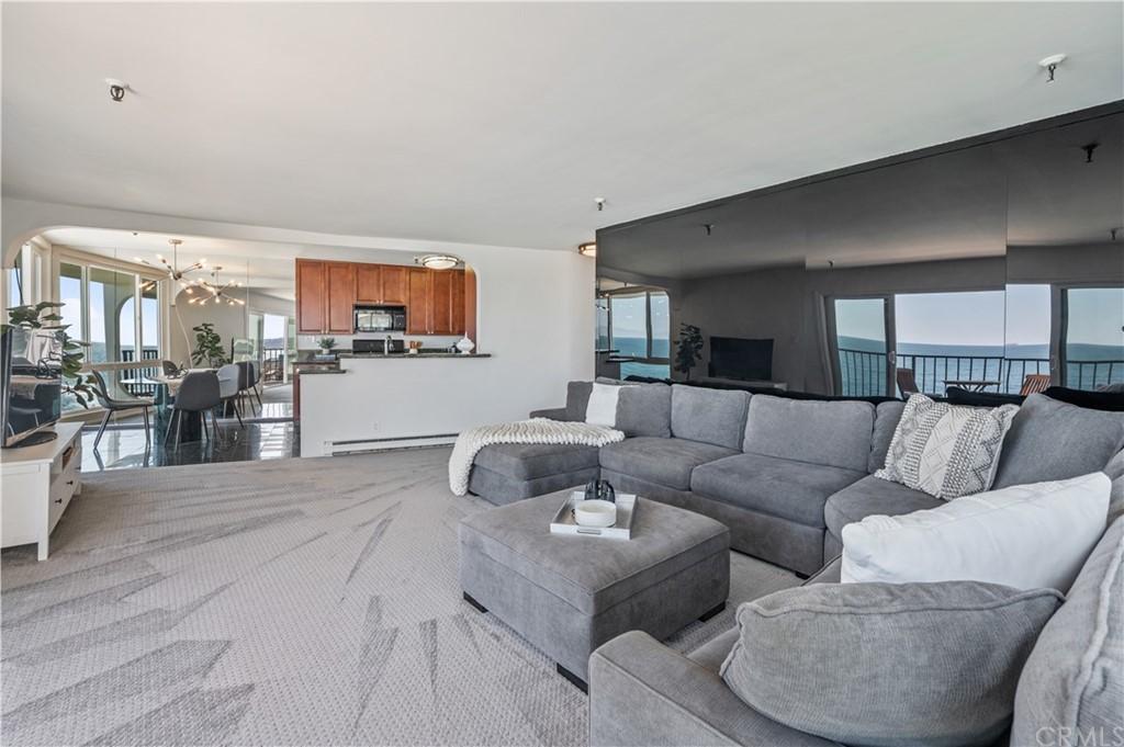 ActiveUnderContract | 565 Esplanade #308 Redondo Beach, CA 90277 11