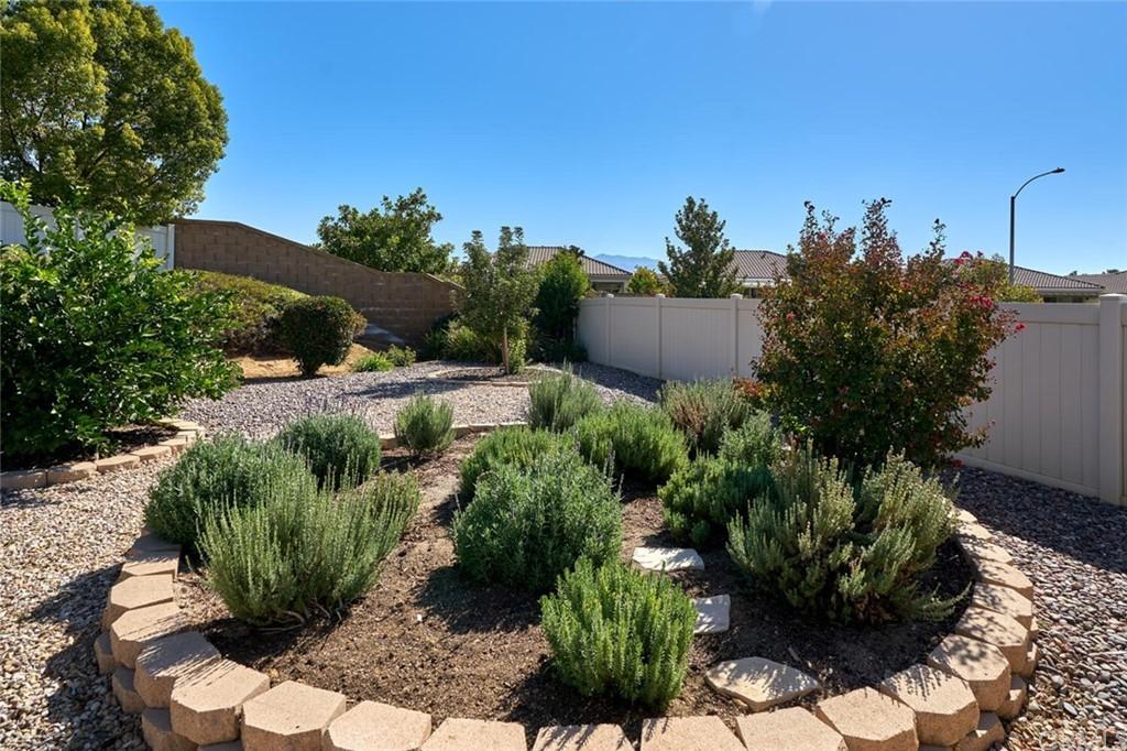 Pending | 1564 Rockrose Way Beaumont, CA 92223 10