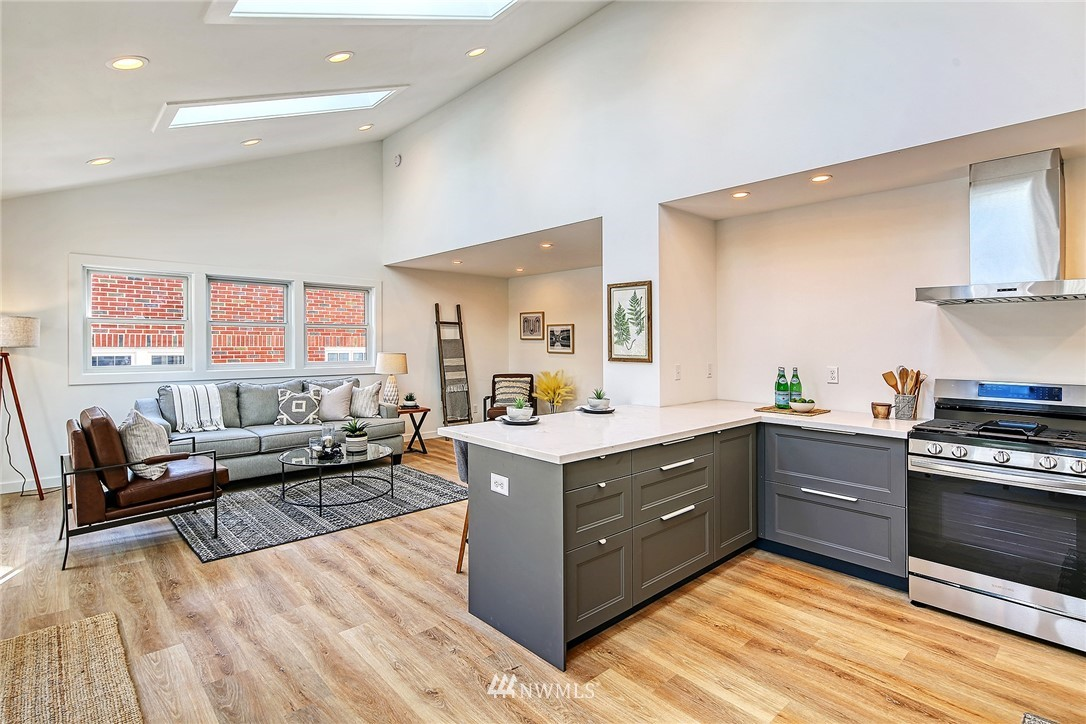 Active | 8015 12th Avenue NW Seattle, WA 98117 3