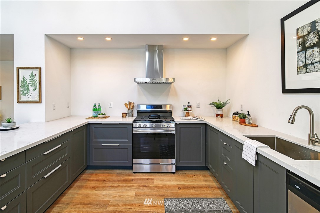 Active | 8015 12th Avenue NW Seattle, WA 98117 4