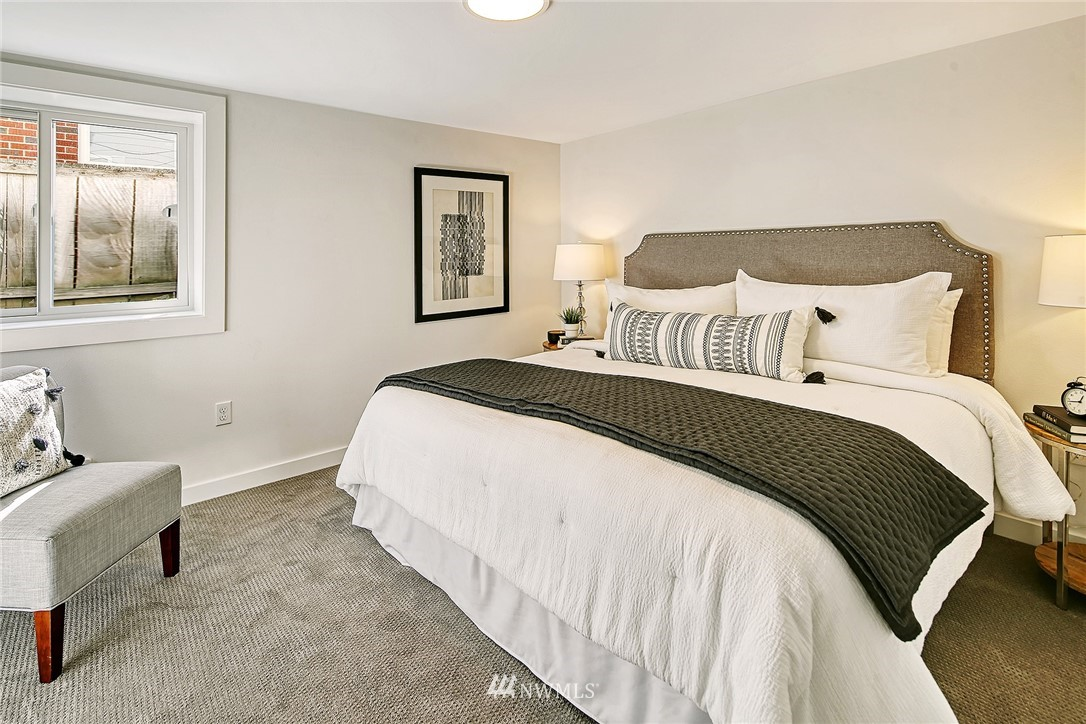 Active | 8015 12th Avenue NW Seattle, WA 98117 18
