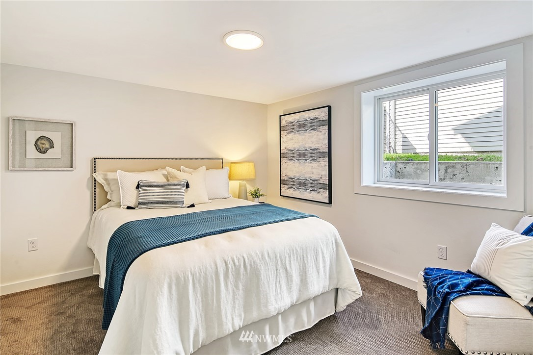 Active | 8015 12th Avenue NW Seattle, WA 98117 19