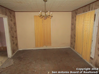 Active | 1443 Saenz San Antonio, TX 78214 3