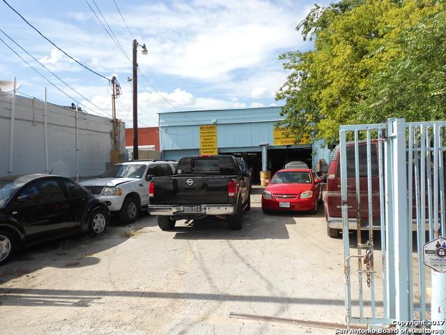 Active | 1818 S ZARZAMORA ST San Antonio, TX 78207 13