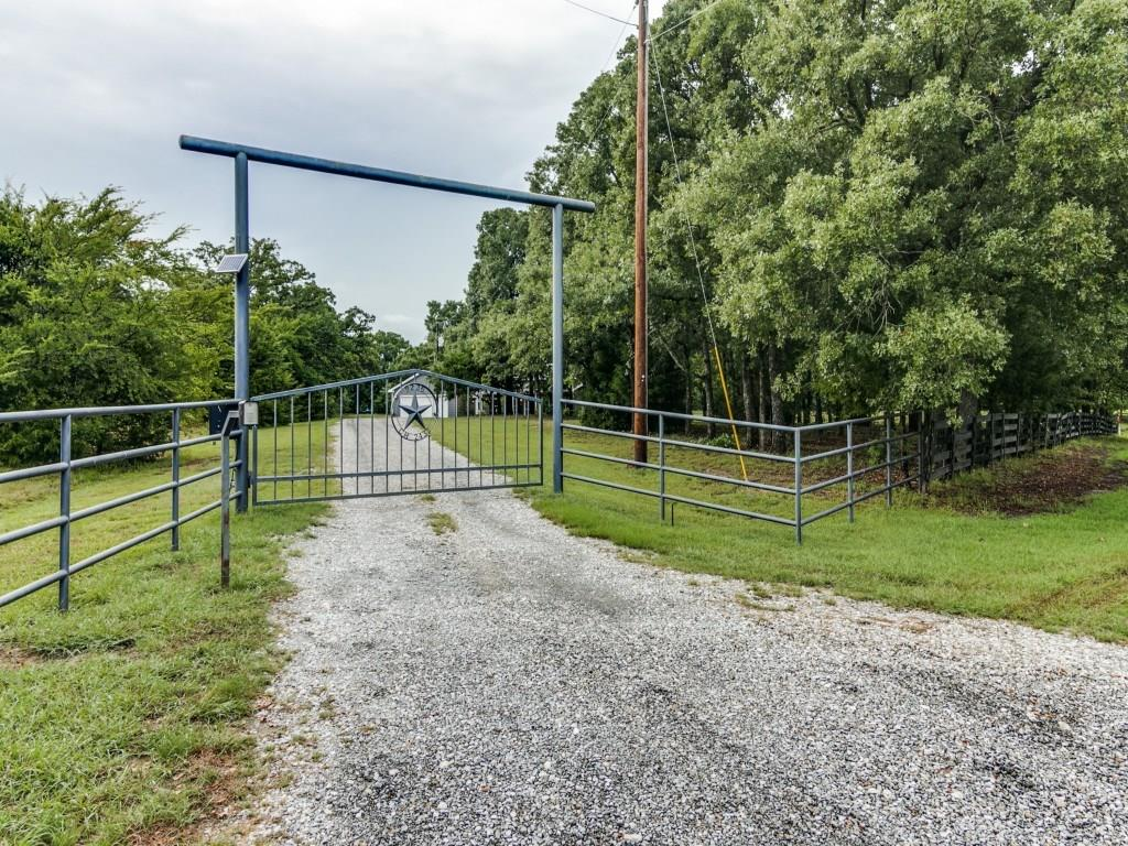 Housed Real Estate + Relocation  | 9236 County Road 2432 Poetry, Texas 75160 35