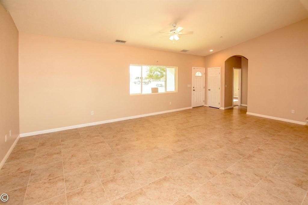 Closed | 11093 First Avenue Hesperia, CA 92345 21