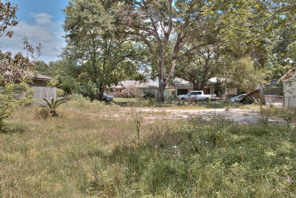 Active   2029 Marnel Road Houston, Texas 77055 20