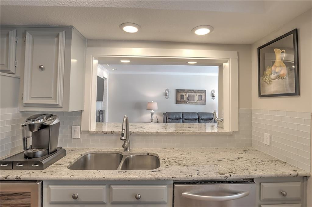 Sold Property | 4124 Tomberra Way Dallas, Texas 75220 3
