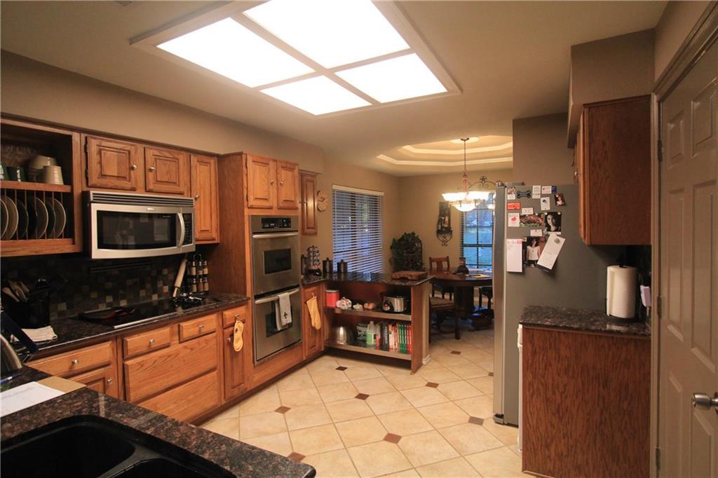 Sold Property | 6633 Townlake Circle Arlington, Texas 76016 5