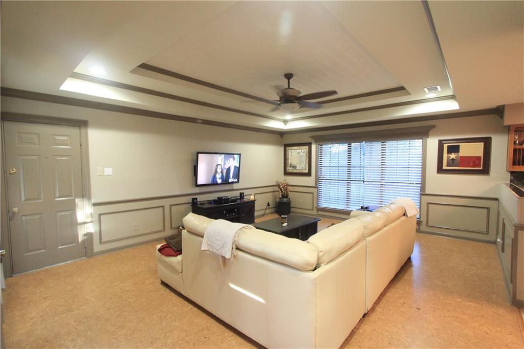 Sold Property | 6633 Townlake Circle Arlington, Texas 76016 8