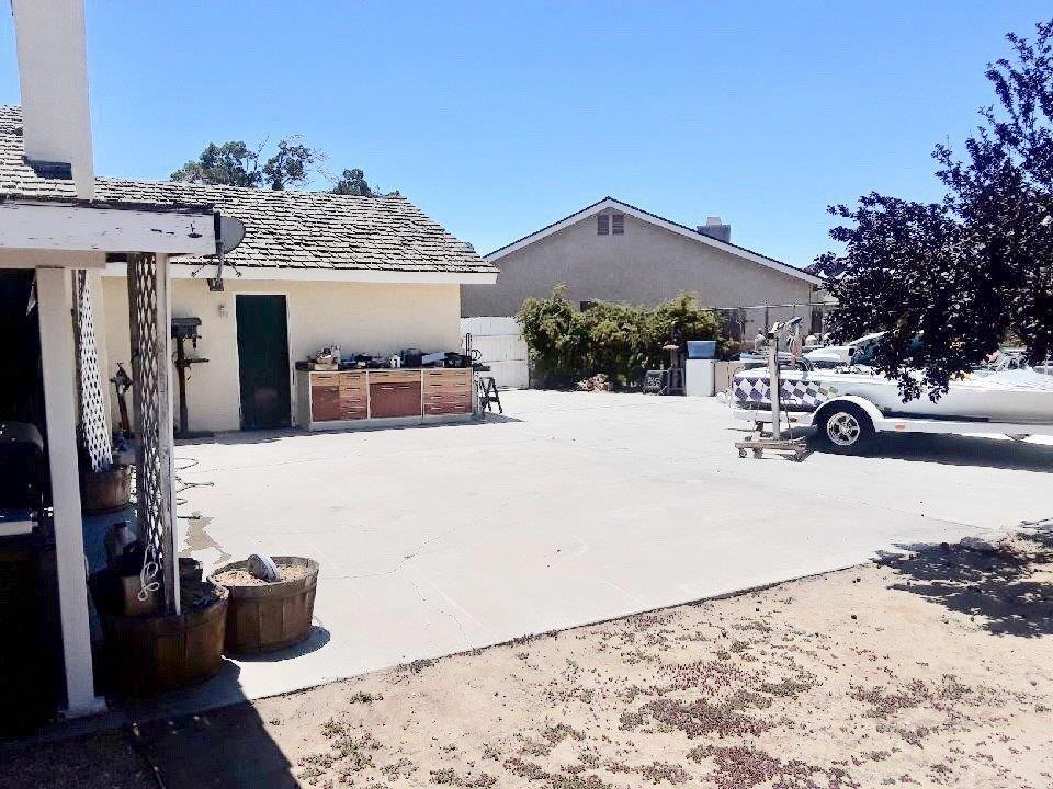 Closed   12530 Midcrest Lane Victorville, CA 92392 42
