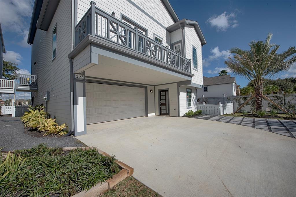 Active | 2182 Marina Way League City, Texas 77565 2