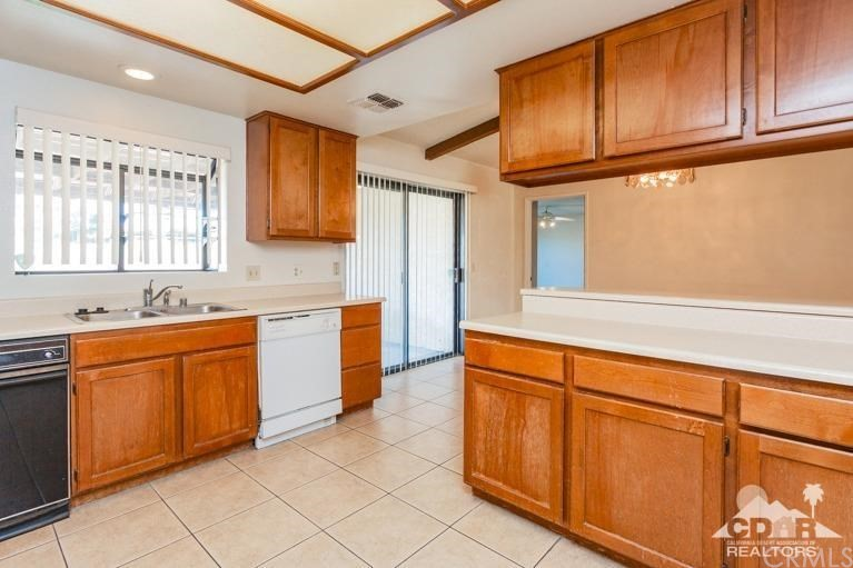 Closed | 76956 California Drive Palm Desert, CA 92211 6