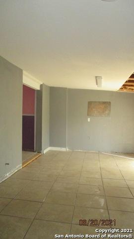 Active Option | 202 PARK PLAZA San Antonio, TX 78237 3