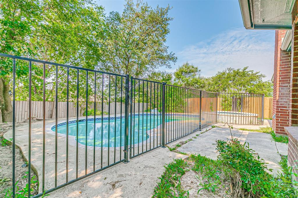 Active | 8113 Heritage Place Drive Fort Worth, Texas 76137 37